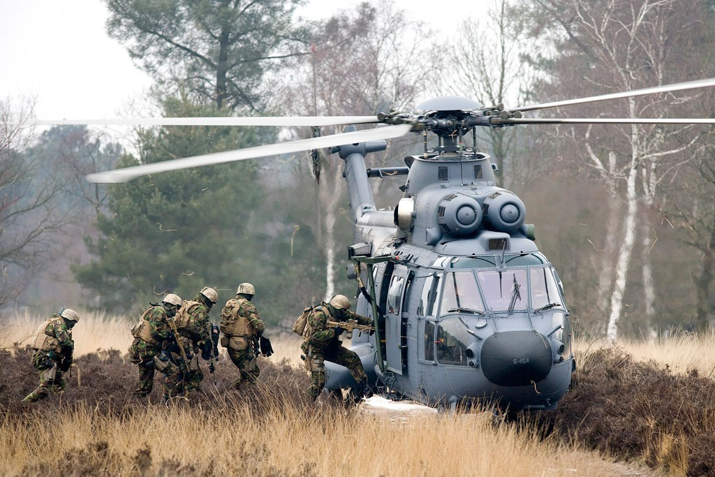 Dutch SF Boarding Helocopter