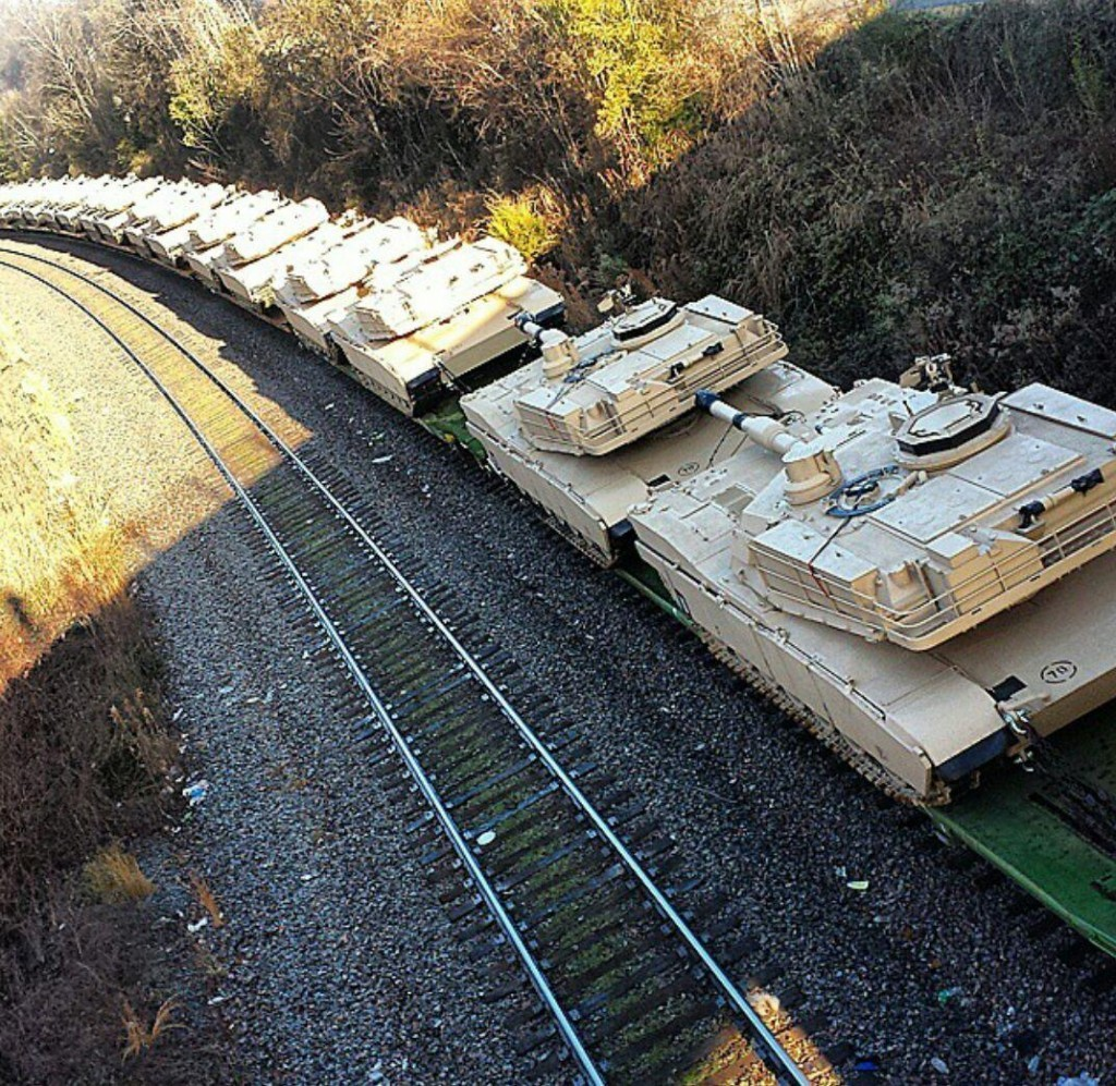 M1 Tanks on rail